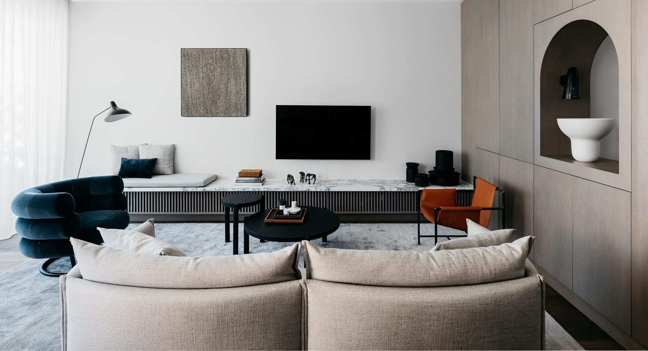 Bobby On A Budget Sculptural Modern Living Rooms And How To Get The Look For 2 500 Bobby Berk