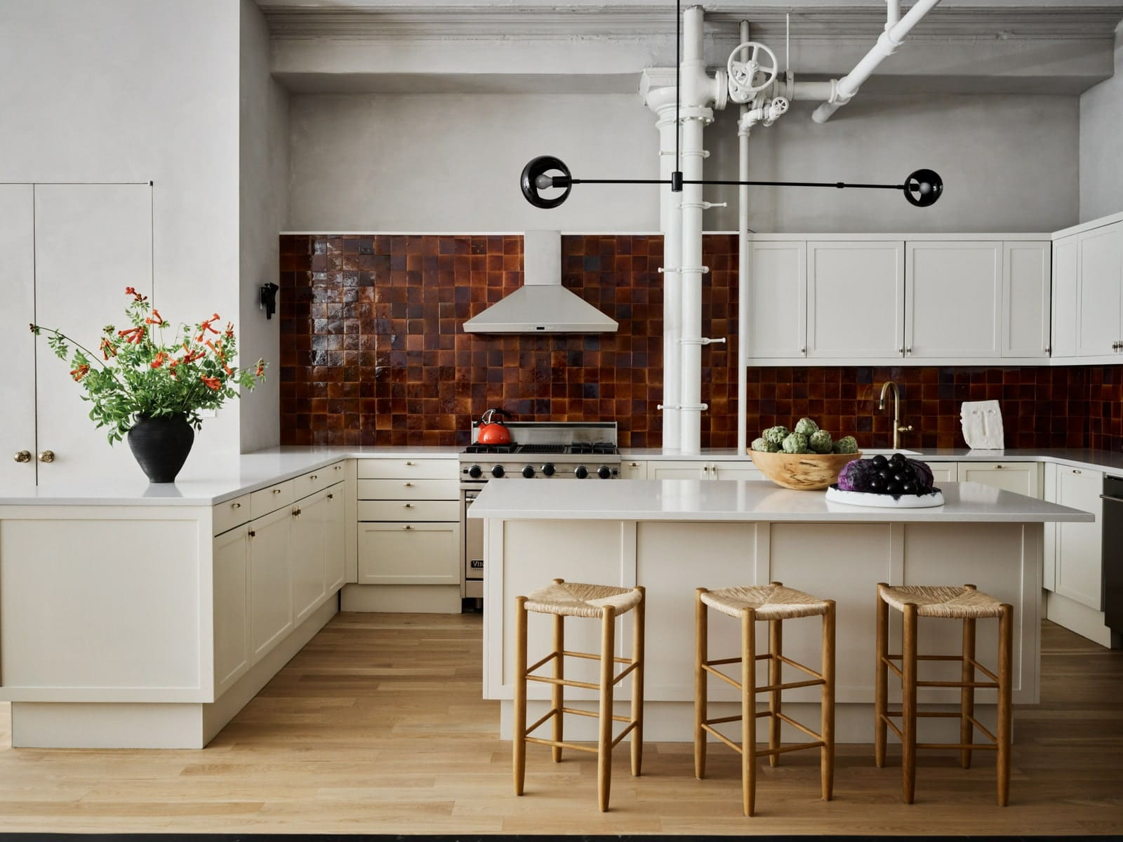 What Would Bobby Do?: How To Spend $50, $100, $500 Or $1000 In Your Kitchen - Bobby Berk